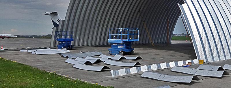 technika hangarów - każdy lekki hangar łukowy systemu TG Hangars może być posadowiony bezpośrednio na betonowym podłożu.