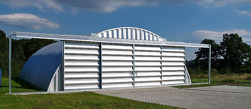 prefabrykowany-stalowy-hangar-lukowy-tg-hangars-lotnisko-aeroklub