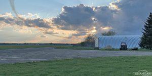 Lekkie samonośne hangary łukowe (arch prefabricated building) - prywatny lekki lotniczy hangar łukowy TG Hangars dla General Aviation na lotnisku EPPR (Aeroklub Gdański - Pruszcz Gdański)