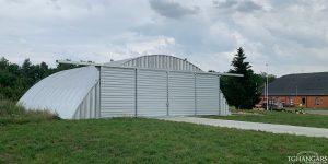 Lekkie samonośne hangary łukowe (arch prefabricated building) - prywatny lekki lotniczy hangar łukowy TG Hangars dla General Aviation na lotnisku EPPR (Pruszcz Gdański)