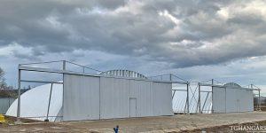 Lekkie samonośne hangary łukowe (arch prefabricated building) - lekki hangar łukowy TG Hangars dla aeroklubu na lotnisku EPNT (Aeroklub Nowy Targ)